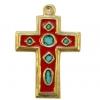 Croix médiévale en bronze émaillé, de forme latine, d'inspiration médiévale, très décorative avec ses cabochons en cercle, ovale, et losanges, présentant un effet de serti sur les pourtours de la croix et des reliefs.