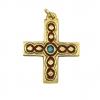 Inspiration médiévale pour cette croix, bijou en pendentif haute de 5 cm, de forme grecque. Bronze émaillé présentant des cabochons sertis de doubles filets, réalisés selon la technique des émaux grand feu.
