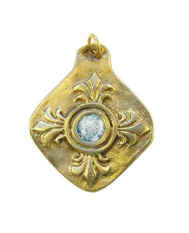 872-bijou-Medaillon-fleur-de-Lys-coeur-blanc-5-5cm