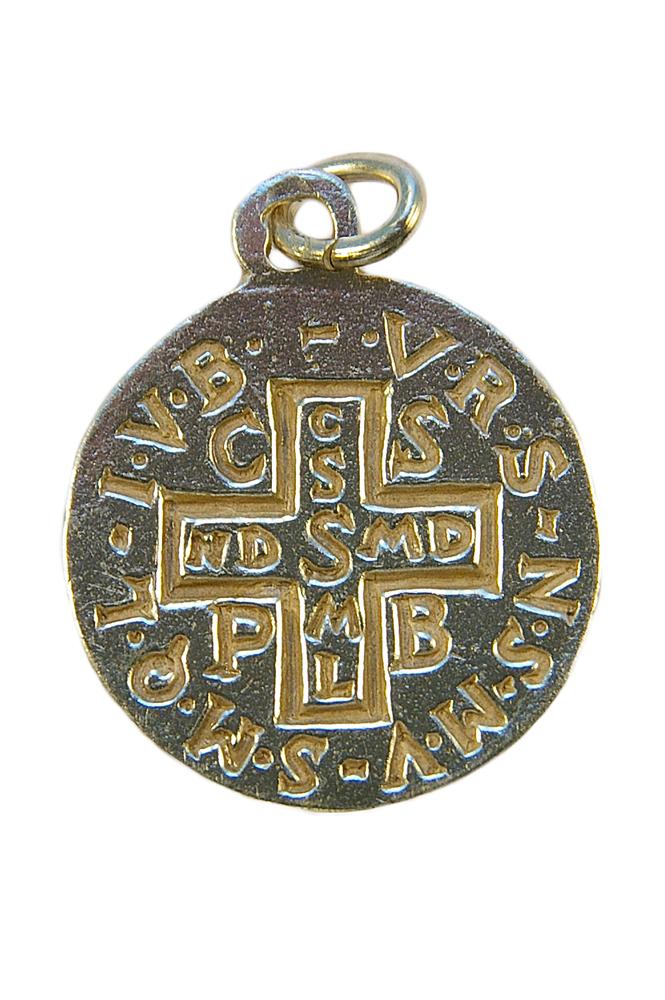 Médaille de saint Benoît en argent massif - le verso : croix de saint Benoît