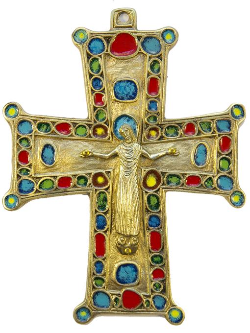 Croix pommetée présentant le Christ crucifié et un riche décors d'émaux